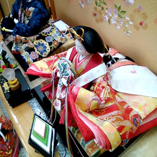 ひな祭りに飾って食べる「菱餅」が菱形で三色なのはどんな由来があるの?
