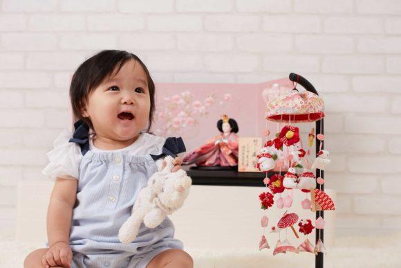 ひな祭りは何歳児からお祝いをするのですか?雛人形はいつから準備するのが良いのでしょうか?