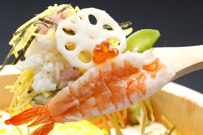 ちらし寿司の「エビ」「レンコン」「豆」はひな祭りのお祝いにピッタリ
