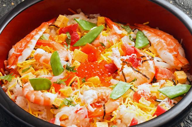 ひな祭りのごちそうの定番「ちらし寿司」の意味と由来