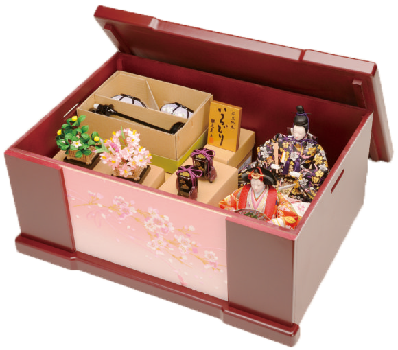 箱から出しながら、雛人形のそれぞれの人物と飾り方を覚えましょう