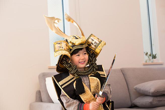 兜飾りは五月人形の代表格!孫も喜ぶ人気の兜飾りをご紹介します