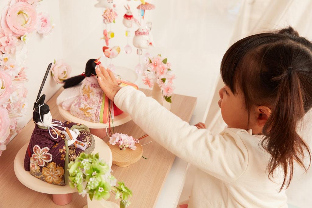 ひな祭りのお花はなぜ飾る?種類と意味をしりましょう